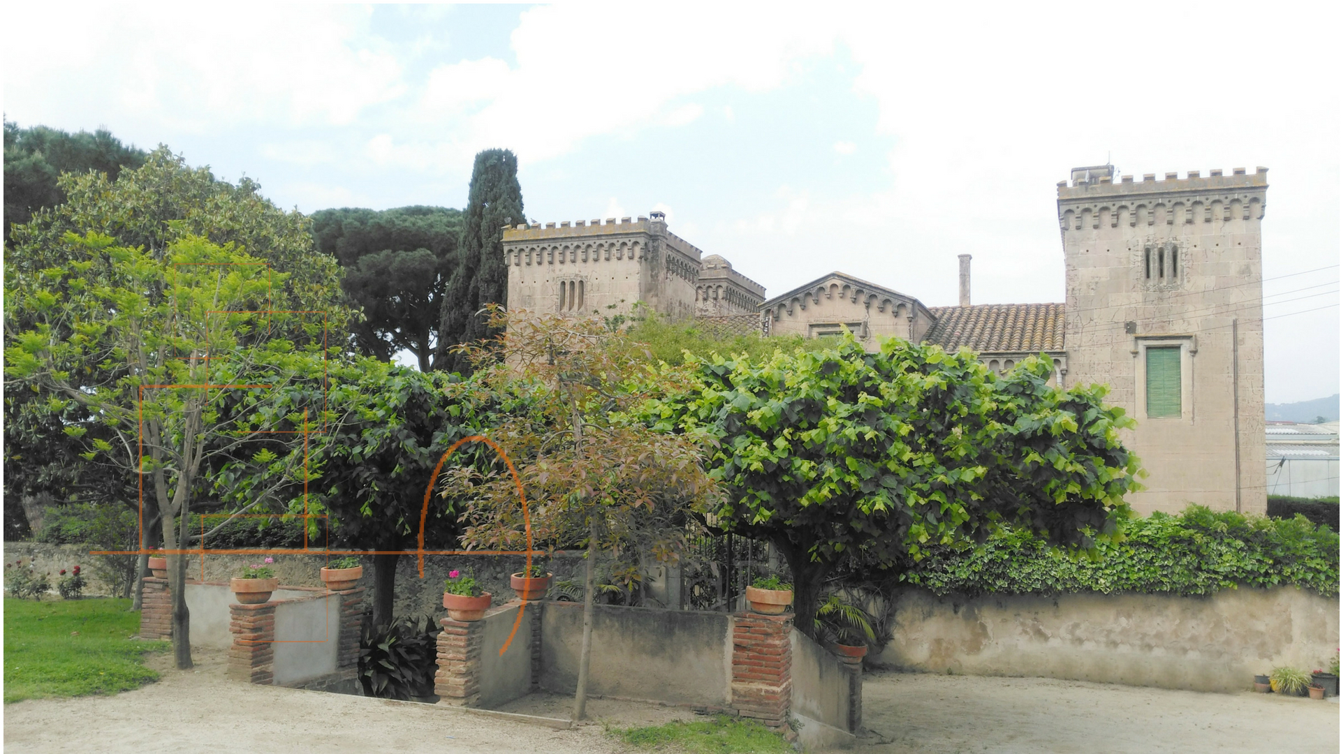 Stately Home with 2 Guest Houses and opcional close land
